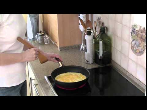 How To Make A Good Omelette With Cheese -  Enjoy A Tasty Breakfast!