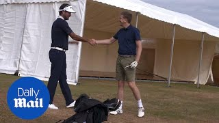 Bubba Watson gives Daily Mail reporter a golf lesson
