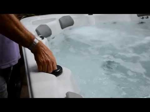 How to Adjust the Jets and Controls on Your Splashes Oasis Spa