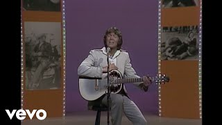Glen Campbell - Back In The Saddle Again (Live)