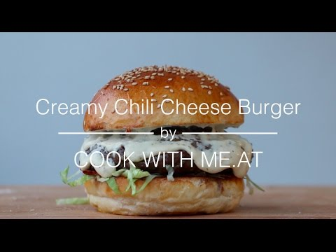 Creamy Chili Cheese Burger - Grilled Hamburger with Alfredo Sauce & Bacon - COOK WITH ME.AT