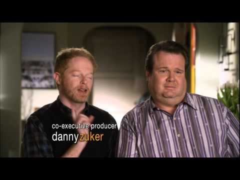 Modern Family - Mitchell & Cam argue about who listenes more