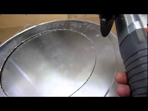 how to cut a 12inch30.5cm diameter hole out of a aluminum 19 inch pizza pan