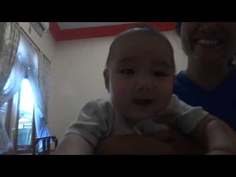 4 month-old baby Keydo laughing after heard his sister cough