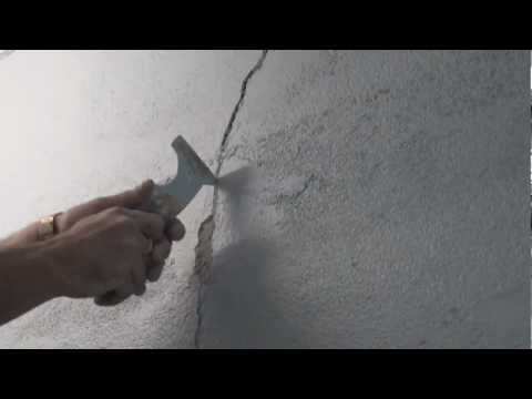 How to repair cracks in rendered walls