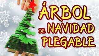 SUSCRÍBETE!: http://goo.gl/CNeicz En este vídeo te vamos a enseñar a hacer un increible árbol de Navidad plegable. Podrás guardarlo en cualquier sitio cuando esté plegado, y en solo 30 segundos tendrás tu árbol listo para decorar. Una manualidad muy sencilla hecha completamente con materiales reciclados. MATERIALES Y HERRAMIENTAS: http://www.tedigocomosehace.com/categoria-producto/por-tutoriales/arbol-de-navidad-plegable/ ÚNETE AL CLUB TDCSH: http://www.tedigocomosehace.com/ SIGUENOS EN: Twitter: https://twitter.com/TDCSH Facebook: https://www.facebook.com/TeDigoComoSeHace Instagram: http://instagram.com/tdcsh  Suscríbete a Nuestros Otros Canales Para No Perderte Nada. Fernando: http://www.youtube.com/user/FernandoTDCSH Juan: http://www.youtube.com/user/JuanTDCSH Pablo: http://www.youtube.com/user/PabloTDCSH El Show de la Araña Cuenta Chistes: https://goo.gl/ea5lZF
