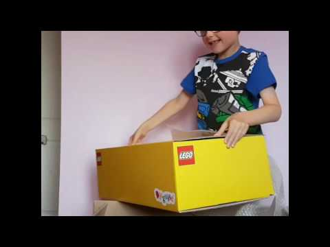 LEGO Ninjago Lloyd Costume Unboxing