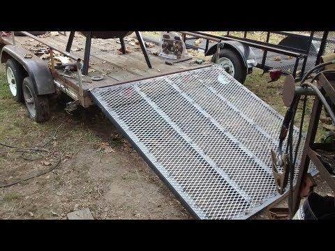 Quick trailer ramp