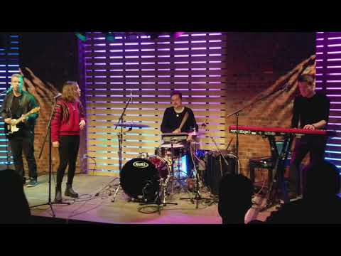 Alice Merton - No Roots live in the 101WKQX Sound Lounge
