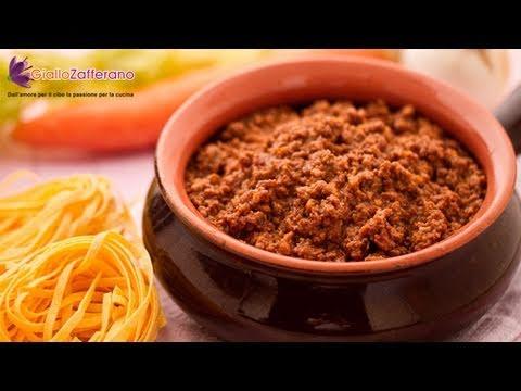 Spaghetti Bolognese - Italian recipe
