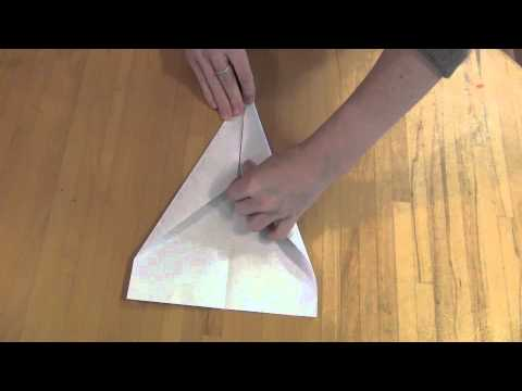How to make a traditional paper plane