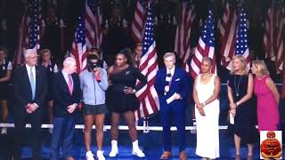 Serena Putting Her Arm Around Naomi Osaka As The Crowd Boos Is Quite A Moment