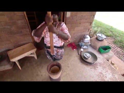 Making G nut paste (peanut butter) - Uganda