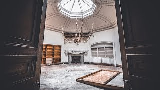We found a secret room in a ABANDONED MANSION....