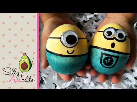 How to Make Minion Easter Eggs with Food Coloring - Fun Easter DIY craft!