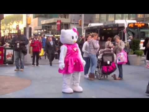 Vlogadays - NYC Day 1: Times Square, Statue of Liberty, HELLO KITTY!!