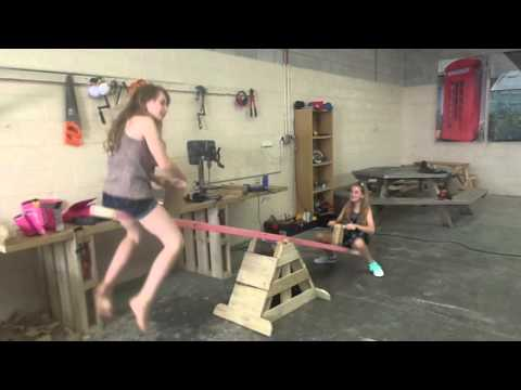 How to build a basic seesaw
