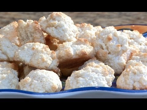 How To Make Almond Macaroons
