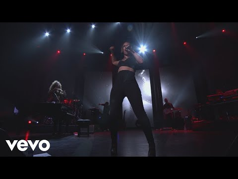 Alicia Keys - Girl On Fire (Live from iTunes Festival, London, 2012)