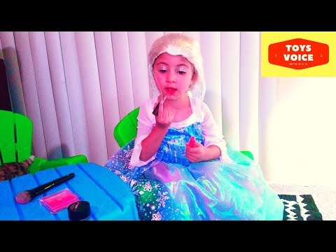 Disney's Frozen Elsa Makeup and Dressup by toddler | Toys Voice