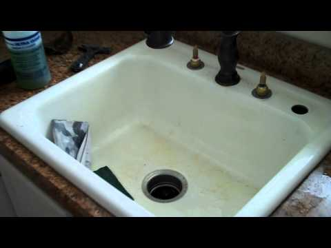 How to Restore An Old Bath Tub And Sink