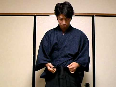 How to wear Hakama
