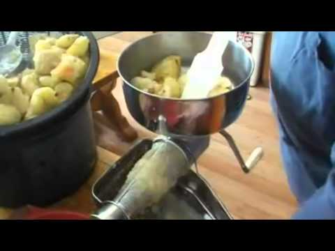 Making and Canning Apple Sauce