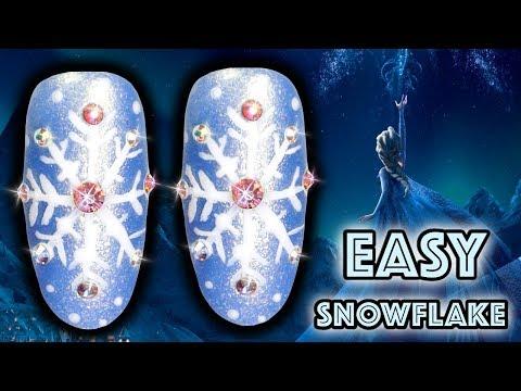 HOW TO PAINT SNOWFLAKES WITH NAIL POLISH | TASH'S CHRISTMAS QUICKIES NAILART