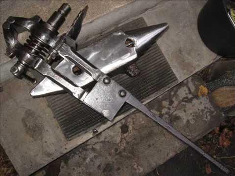 Old Blacksmith's Leg Vice Restoration