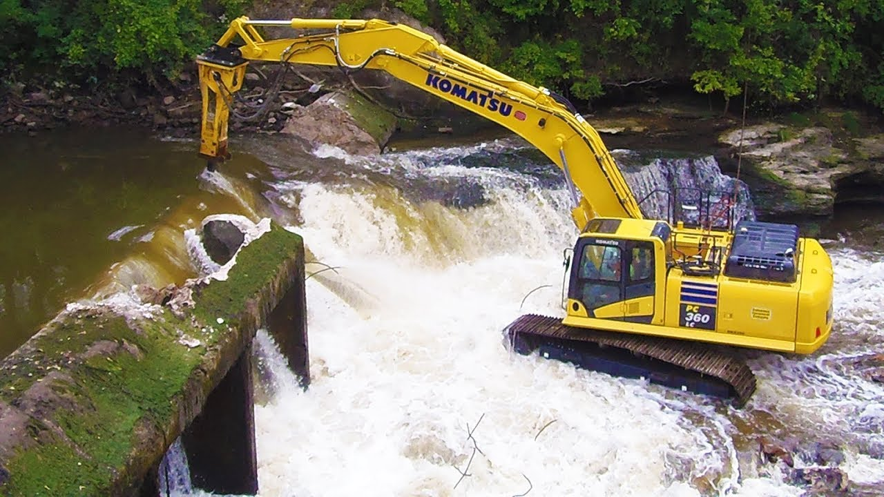 Amazing Skill Excavator driving You must see - Biggest Heavy Equipment Dredging Compilation