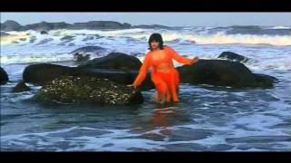 Raveena Tandon bikini show
