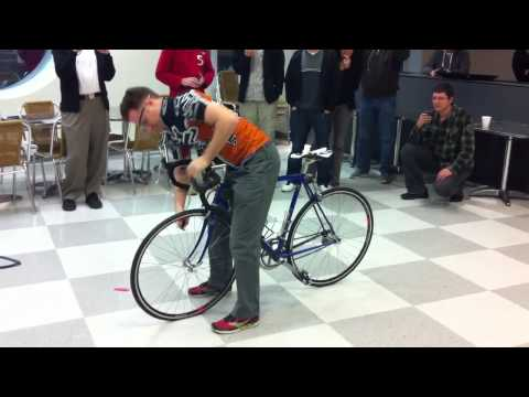 Hybris Challenge: change a bike tire in less than a minute