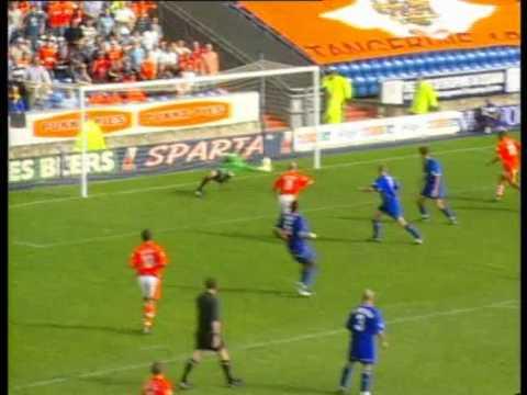 Oldham 2 - 3 Blackpool