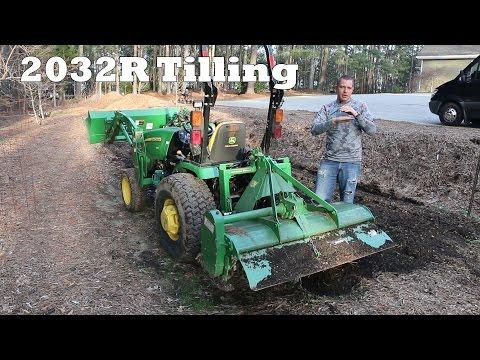 John Deere 2032R - Garden Tilling