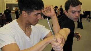 Silat Suffian Bela Diri - Elbow Break Knife Disarm