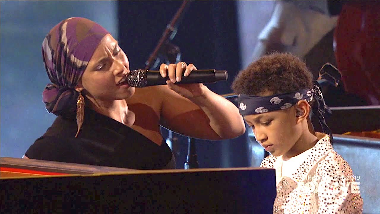 Alicia Keys & Her Son – Raise a Man / You Don't Know My Name – Live at iHeartRadio Music Awards 2019