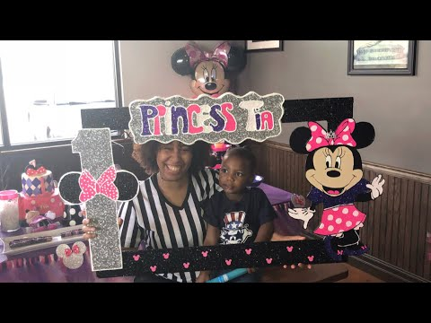 Minnie Mouse Party Frame | DIY