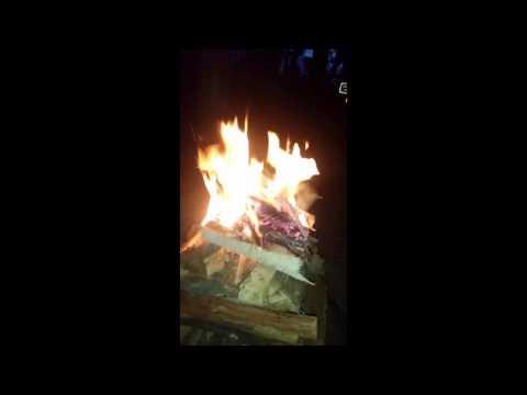 Best way to make a fire - Pyramid Fire - Zero Maintenance - Smoke Free