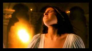 Luis Fonsi - La fuerza de mi corazón [Music Video]