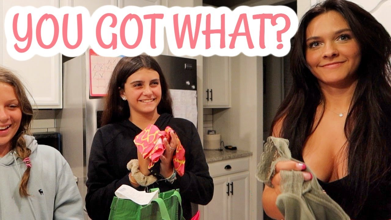 SHOP WITH ME MALL SHOPPING + HAUL! YOU GOT WHAT? EMMA AND ELLIE
