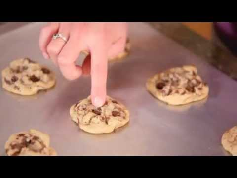 LEARN TO MAKE Chocolate Chip Cookies