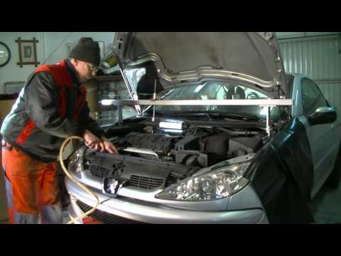 Peugeot / Citroen 1.6 l 16V Replacing timing belt and water pump