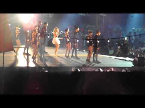 Kylie Minogue performs Can't Get You Out Of My Head at Glasgow Commonwealth Games