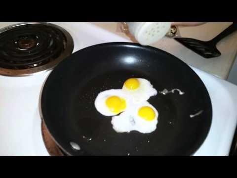 How To Make Quail Eggs Breakfast Sandwich