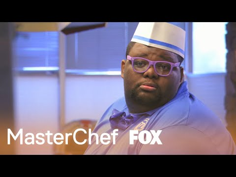 Wonky Willie Has Trouble Keeping Track Of Orders | Season 5 Ep. 10 | MASTERCHEF
