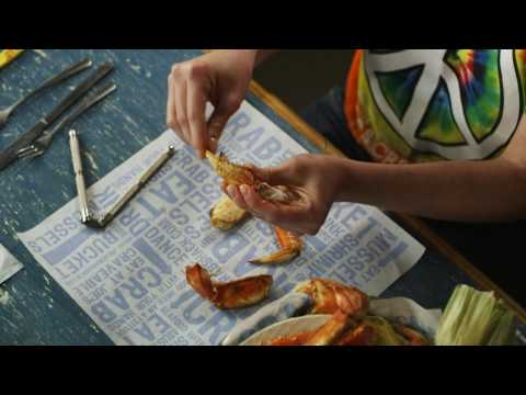How to Open Crab Claws