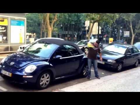 Breaking a VW New Beetle Cabriolet Window