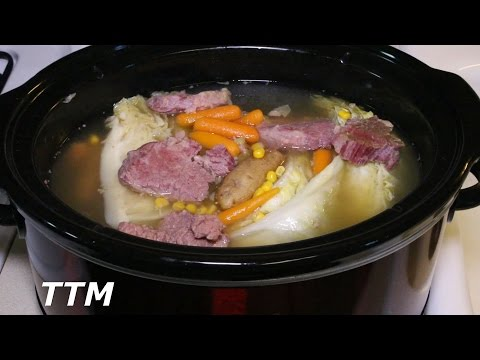 How to Make Corned Beef and Cabbage in the Slow Cooker~Easy Crock Pot Corned Beef Brisket
