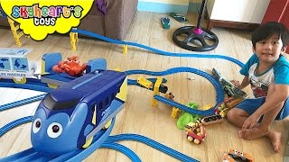 A huge DISNEY TRAIN set for toddlers! Takara Tomy Toy Trains Kids with Finding Dory Plarail