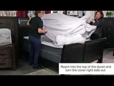 2017 Aki-Tip: How To Insert Comforter into Duvet Cover